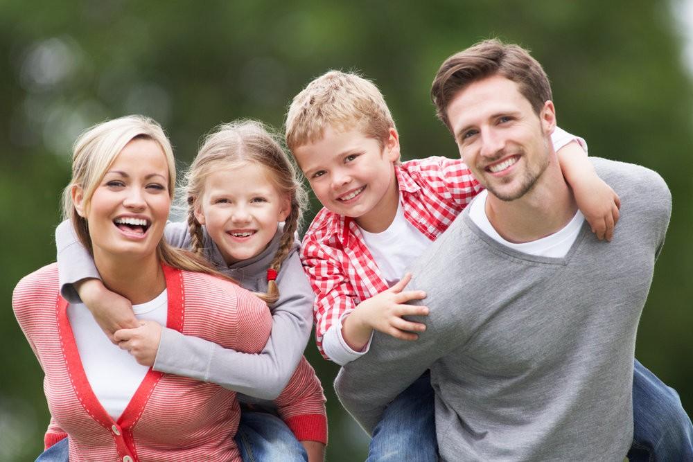 фото реальных людей с детьми газета